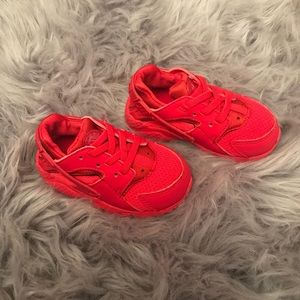 Toddler Red Nike Huaraches
